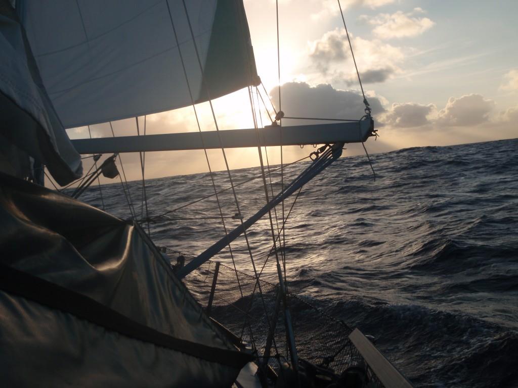 Traversée du Pacifique, 4300 milles 37 jours en VIDÉO!!