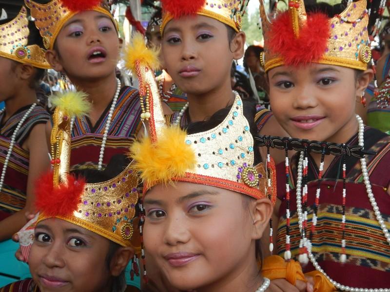 Danses, couleurs et musique, on est en Asie!!